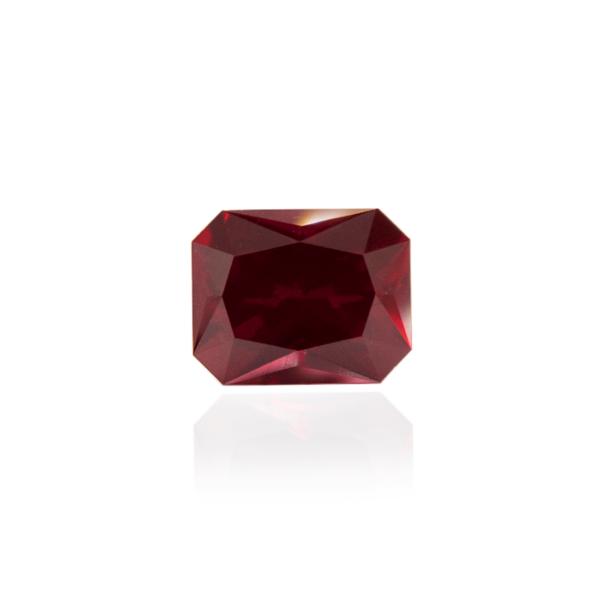 гидротермальный выращенный рубин голубиная кровь dark ruby корунд огранка радиант